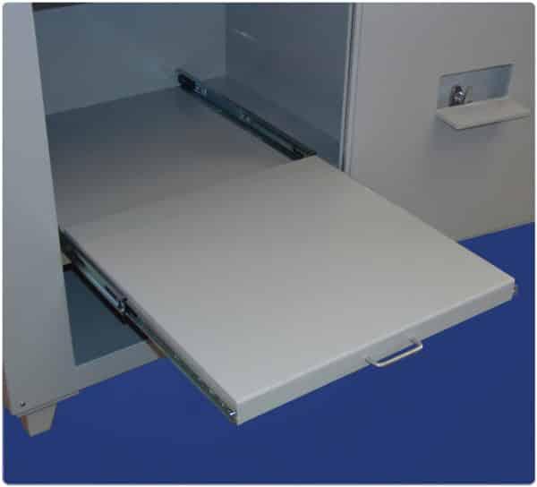 Slide-Out-Shelf