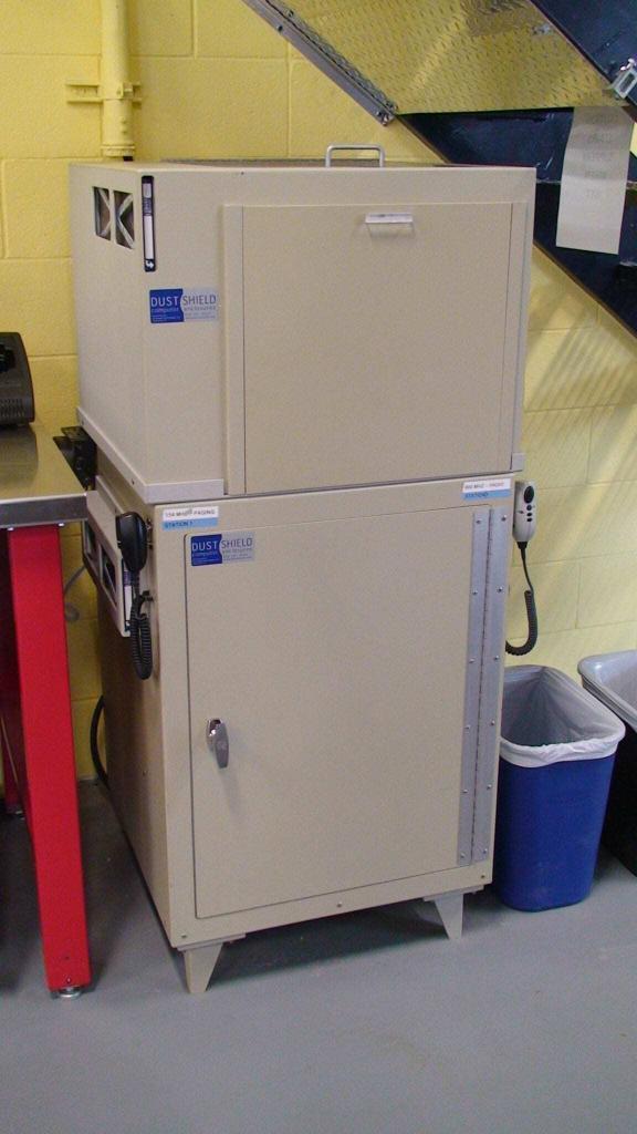 Dustshield-cabinet